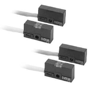 E73A/E76A/E80A, Reedschalter, Direktmontage, Eingegossene Kabel